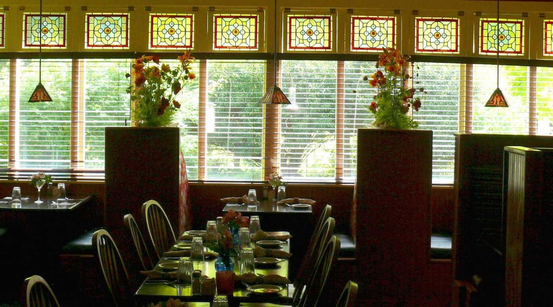 Restaurant that offers best food in Ashford, WA